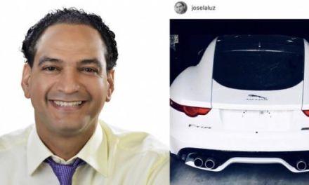 Diputado PLD José LaLuz sube foto de su lujoso carro deportivo Jaguar ¿fue con exoneración?
