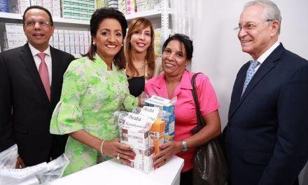 """Despacho de la Primera Dama pone en servicio """"Farmacia Cuenta Conmigo""""; entrega medicinas gratis"""