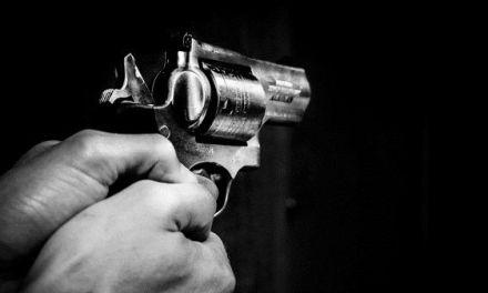 Tailandés no puede soportar separación y mata a su exnovia de un disparo a sangre fría
