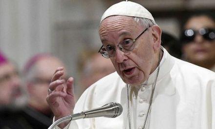 Francisco expresa su vergüenza por casos pedofilia en Pensilvania
