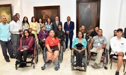 Ministerio de Educación empleará personas con discapacidad