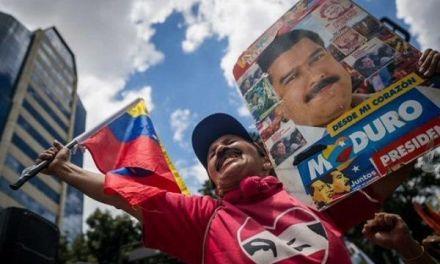 Maduro asevera que el emigrante venezolano sale del país «lleno de dólares»