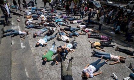 """Opositores piden la """"urgente"""" visita de Bachelet a Venezuela"""
