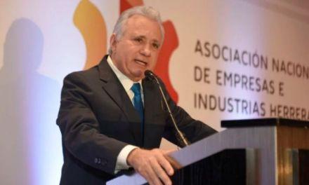 """Ex presidente ANEIH: """"He visto como políticos corruptos entran en complicidad con pequeñas élites empresariales"""""""