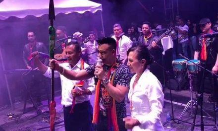 Elvis Martínez es honrado en Macas, Ecuador