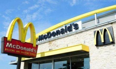 Trabajadoras de McDonald's en EEUU se unen a #MeToo con demandas por acoso