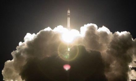 Lanzados tres satélites desde Nueva Zelanda