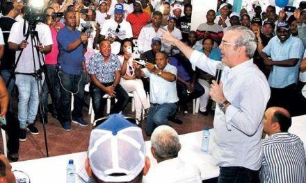Abinader advierte de peligro que representa para el país si el PLD continúa