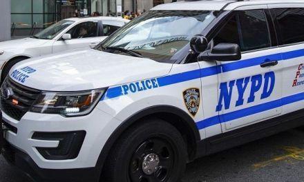 Tres sujetos fingen ser clientes y asaltan joyería en Manhattan tras atar a los empleados