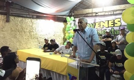 Nelson Guillen continua concitando apoyo para repetir como alcalde de San Cristóbal