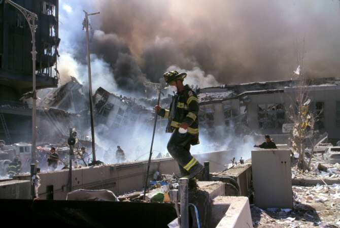 ¿Por qué siguen muriendo los bomberos y policías del 11-S?