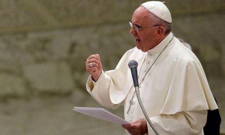 El papa Francisco expulsa a cura chileno investigado por abuso a menores