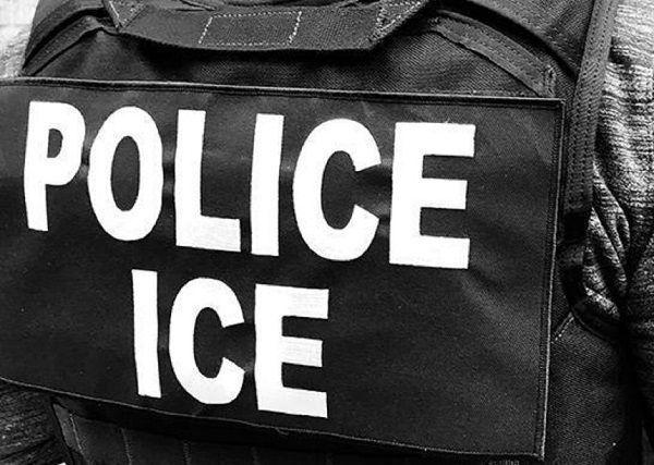 """El condado que se arrepiente de ser """"santuario"""" para inmigrantes y ahora coopera con ICE"""