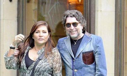 Joaquín Sabina se hinca en una rodilla y le pide matrimonio