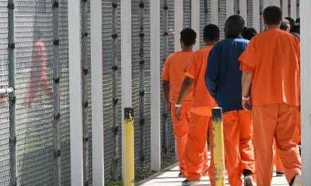 Buscan a reo hispano liberado por error en una prisión de Estados Unidos