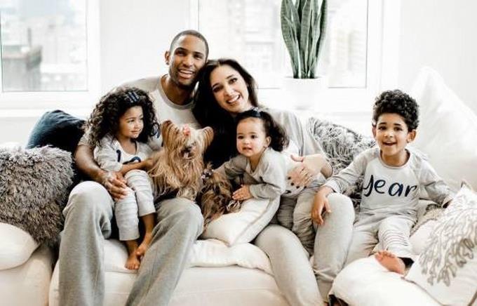 Amelia Vega y Al Horford se convierten en padres por cuarta vez