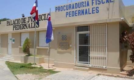 Tribunal reparte 19 meses de prisión preventiva a tres personas por caso drogas en Pedernales