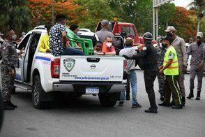 Suman 5,126 presos por toque de queda en primera semana