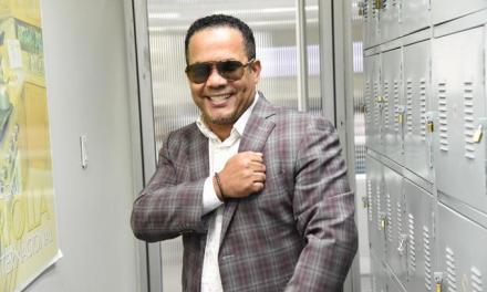 Héctor Acosta opta por terapia para dolores cervicales, espera no tener que ir al quirófano