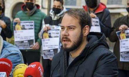 Rapero condenado en España por injuriar a la Corona y hasta Serrat o Almodóvar salen en su defensa