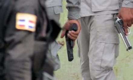 Sobrino del ministro de Interior y Policía es golpeado por agentes policiales en Nagua