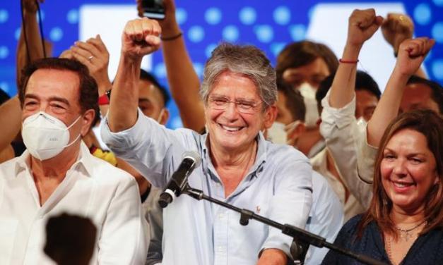 Conservador Lasso se convierte en el presidente de Ecuador