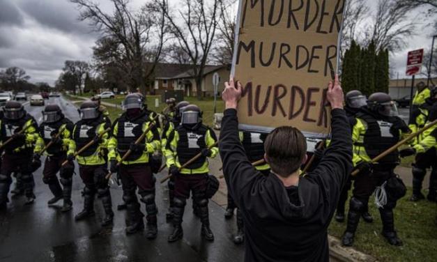 Renuncia policía que mató a hombre negro en Minnesota