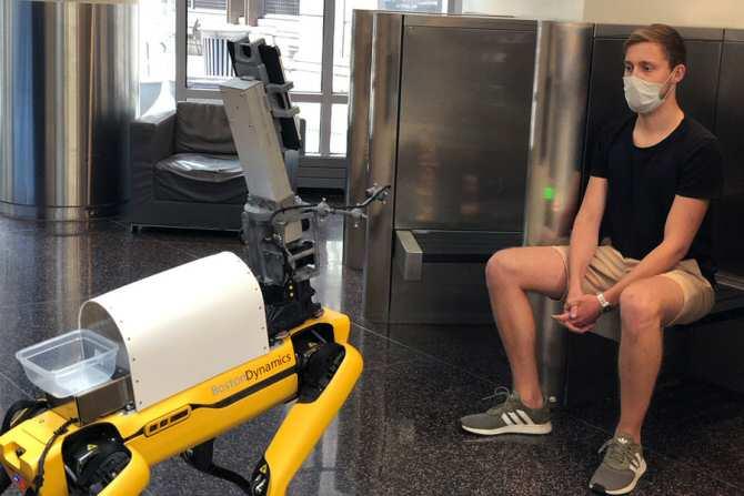 Interactuar con robots en el consultorio médico