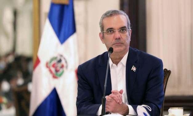 Abinader extiende sus condolencias a familiares de Marcio Veloz Maggiolo