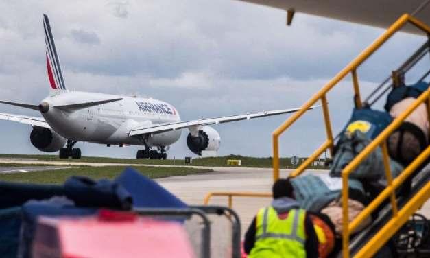 Francia anuncia la suspensión inmediata de los vuelos con Brasil