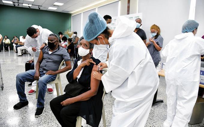 Esperan un millón de dosis para extender vacunación