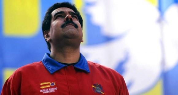 Nicolas-Maduro-pensando-600x320