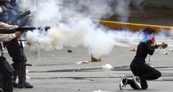 Represion-Venezuela-Reuters_NACIMA20140408_0106_6-600x320