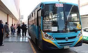 Estudiantes piden rutas gratuitas de transporte ubrano