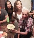 familia adopta a abuelito en torreón