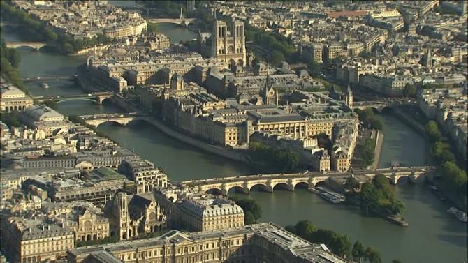 971171810-pont-neuf-ile-de-la-cite-notre-dame-de-paris-seine