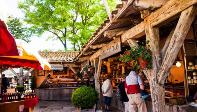 Office-Tourisme-La-Flotte-le marché