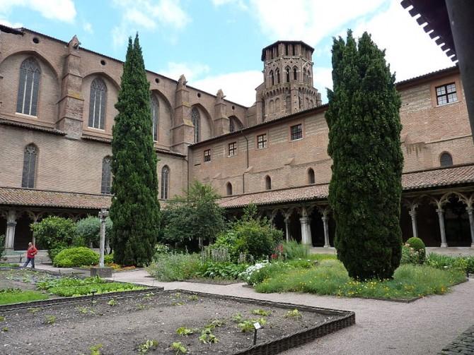 Toulouse_Eglise_Musée_des_Augustins_-clocher_et_cloître- foto Henri Moreau