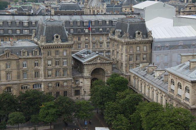 Préfecture_de_police_from_Notre-Dame_de_Paris_2011 Photo Cristian Bortes