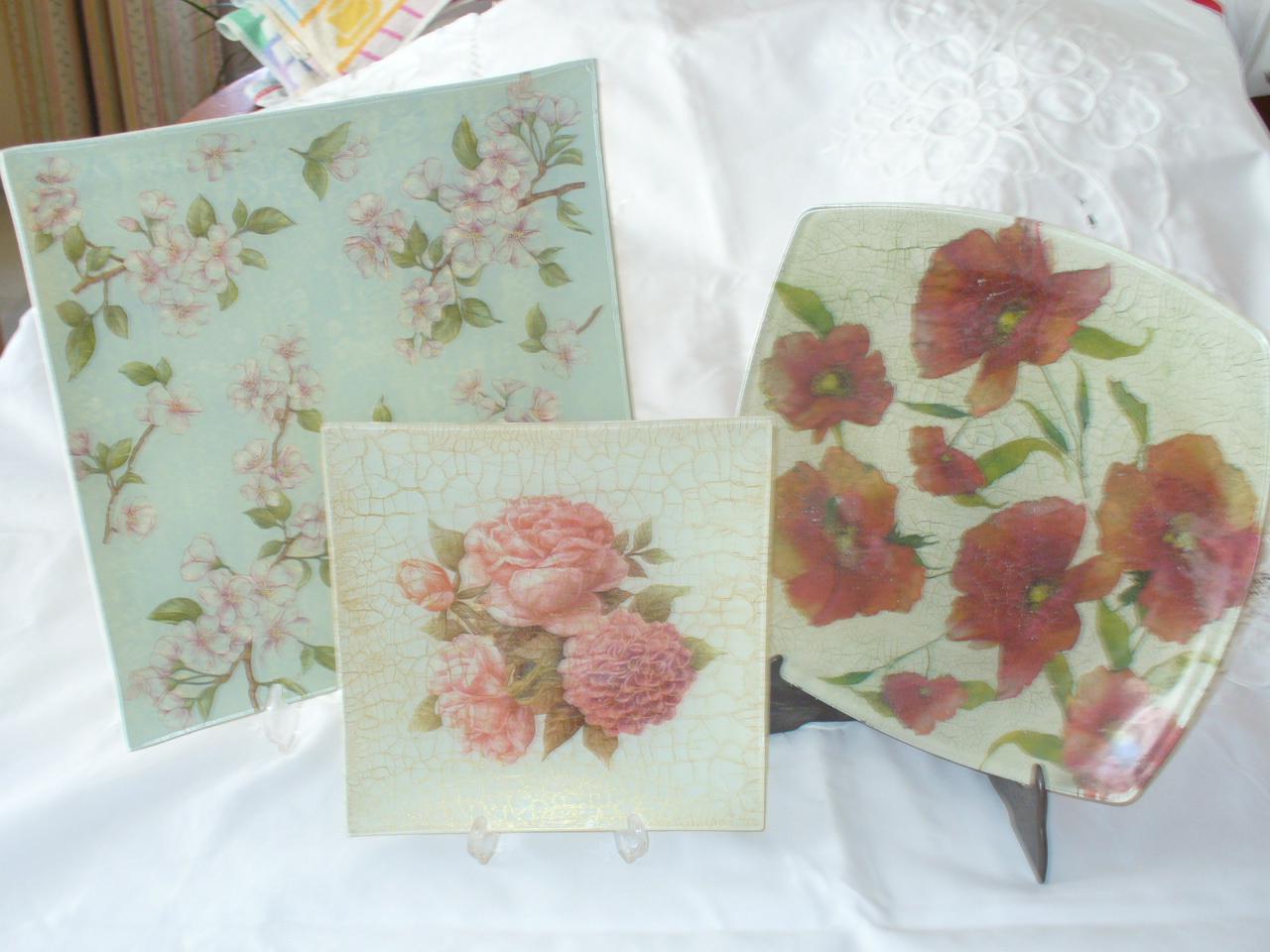 Bandejas cuadradas decoradas con servilletas de papel el - Servilletas de papel decoradas para manualidades ...