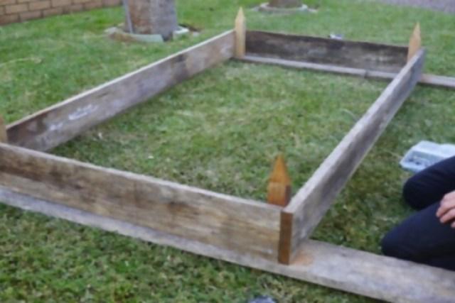 garden beds 18