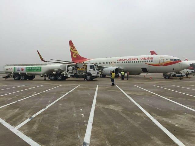 Avión chino vuela con aceite de cocina reciclado como combustible