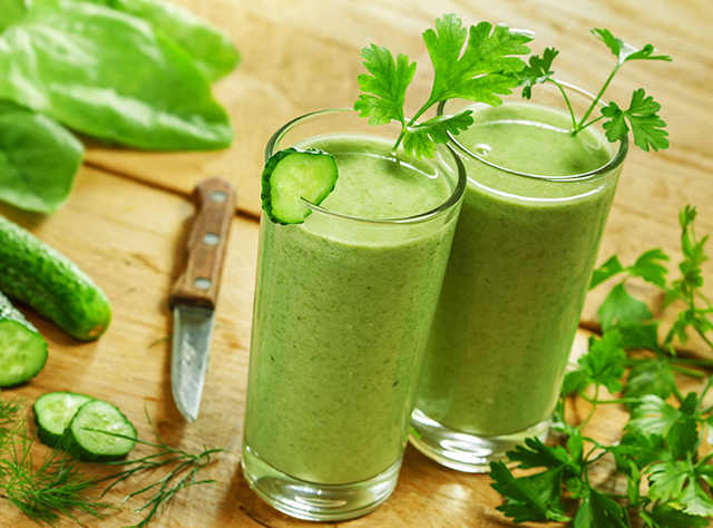 Nueve beneficios de beber batidos verdes