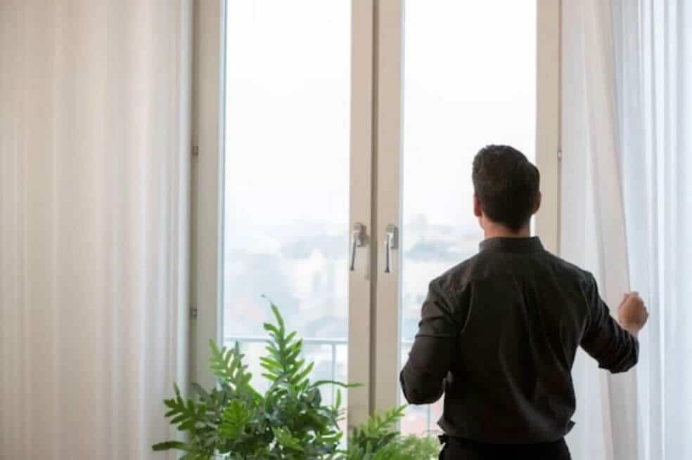 Empresa sueca produce cortina que purifica el aire dentro de casa