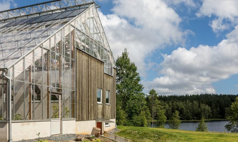 Casa-invernadero permite el cultivo local de alimentos durante todo el año.