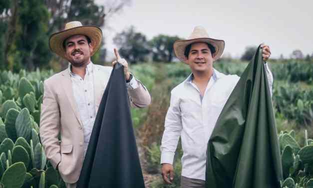 Para reemplazar el cuero animal, jóvenes mexicanos crean piel de cactus
