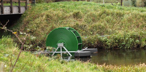Bomba es capaz de bombear 45.000 litros de agua al día sin combustible