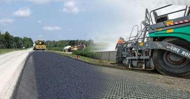 asfalto neumaticos