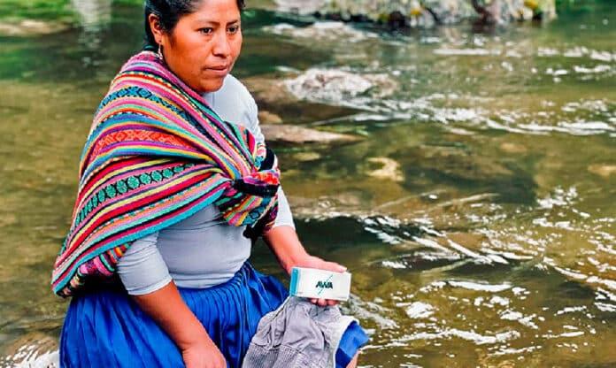 AWA: El jabón de lavar ropa que ayuda a limpiar los ríos en Perú
