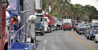 Al menos 30 mil vehículos de carga se paralizaron por huelga de Fenatrado este viernes, según Informó Ricardo de los Santos.